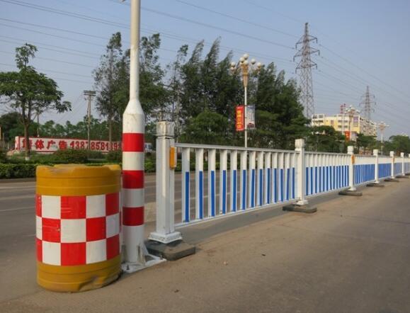 道路交通安全设施