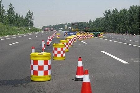 交通安全设施之防撞桶具有哪些特点?