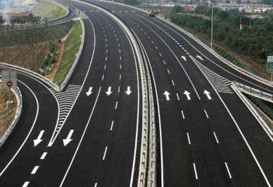 兰州停车场划线选用的材料标准是什么