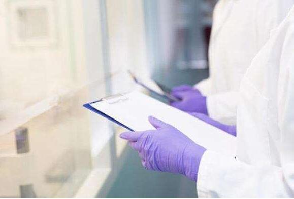 全球新冠确诊病例超453万 欧洲首国宣布本地疫情结束