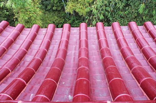 四川琉璃瓦的表面釉处理工艺步骤