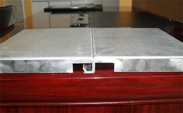 河南勾搭铝单板