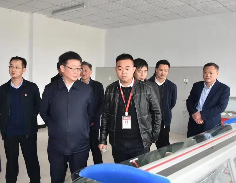 驻马店副市长贺振华深入泌阳县调研工业经济发展情况