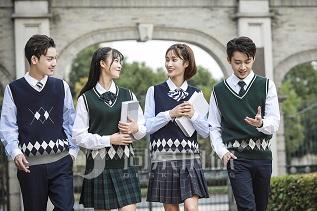 校服生產批發定做廠家與你分享各國校服的風格