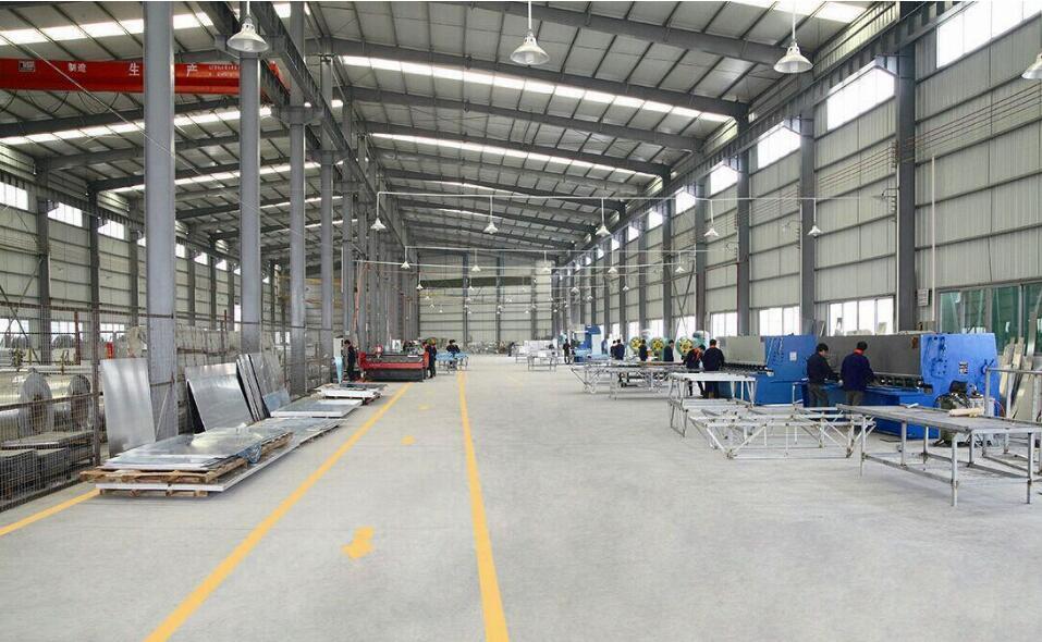工业铝型材车间