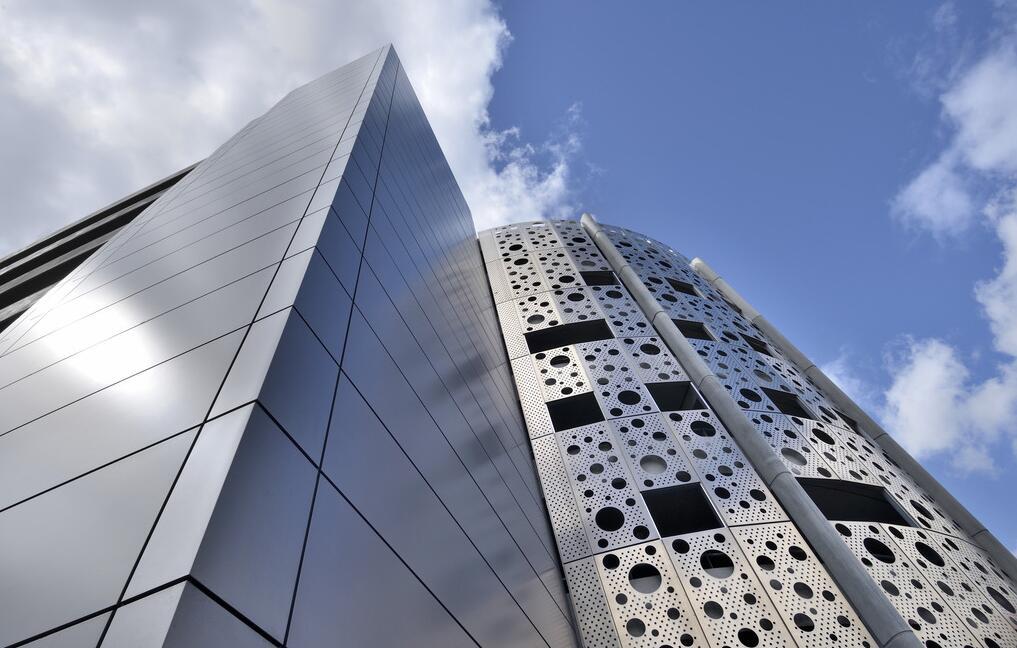 新铝小编为您讲述工业铝型材定制的具体原则