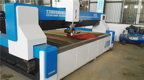 光纤激光切割技术性在玻璃制造行业的运用