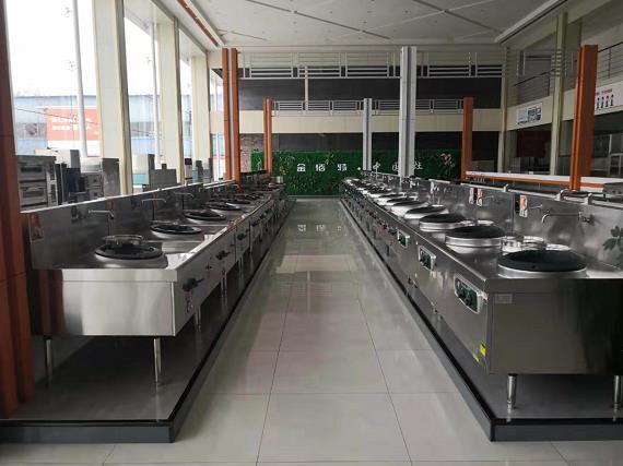 商用厨房用品展示区