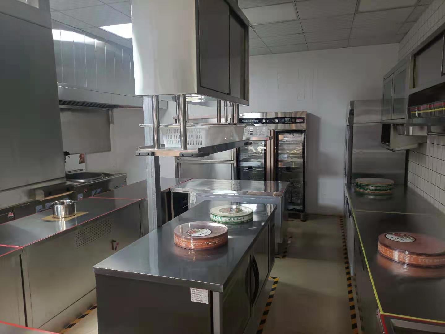厨房设备都有哪些?