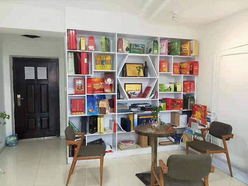 蘭州創世鴻翔廣告設計公司辦公室案例展示區