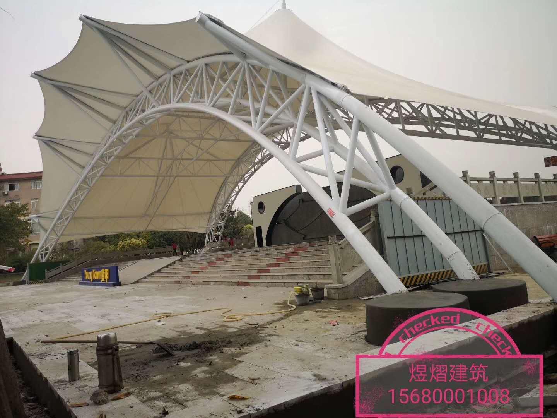 黄甲广场舞台膜结构顺利竣工