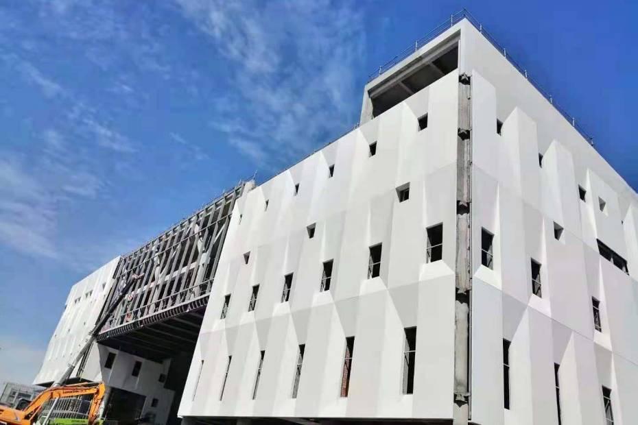 宜宾西华大学白色GRC幕墙大板工程案例