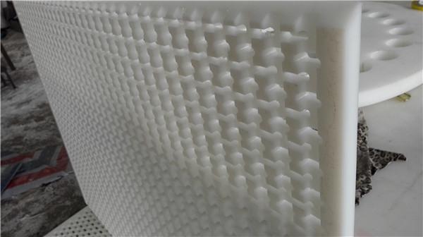 如何挑选适合压滤板的材质和尺寸呢?都有哪些规格