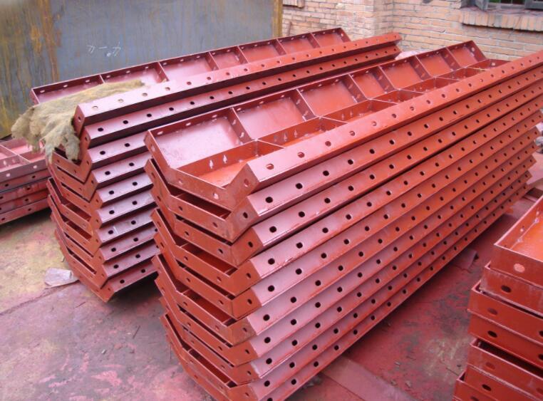 桥梁钢模板如何在施工中延长寿命?