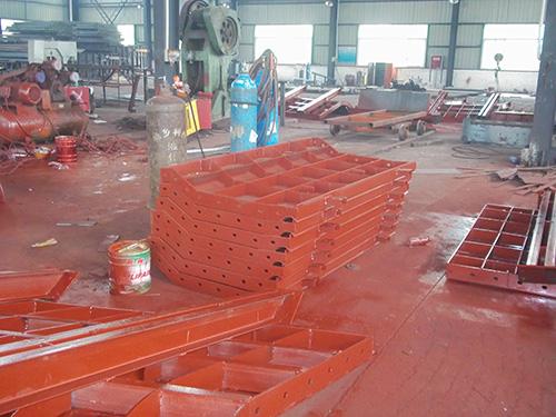 鑫合力:柱钢模板施工采用单片预组拼