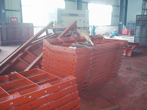 組合鋼模板和複合木模板分別是什麽?