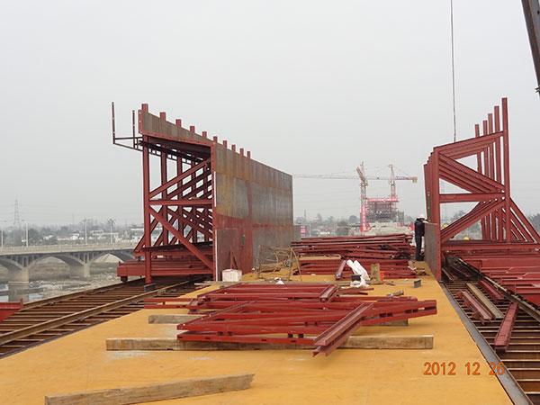 簡述四川異形鋼模板漆施工前對基底處理方法