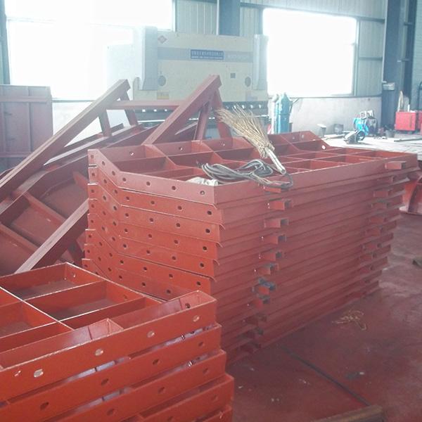 鑫合力机械制造公司向您介绍钢模板的安装要点