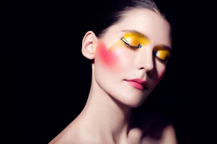 清洁技巧及卸妆方法对化妆培训课程的训练有什么作用?