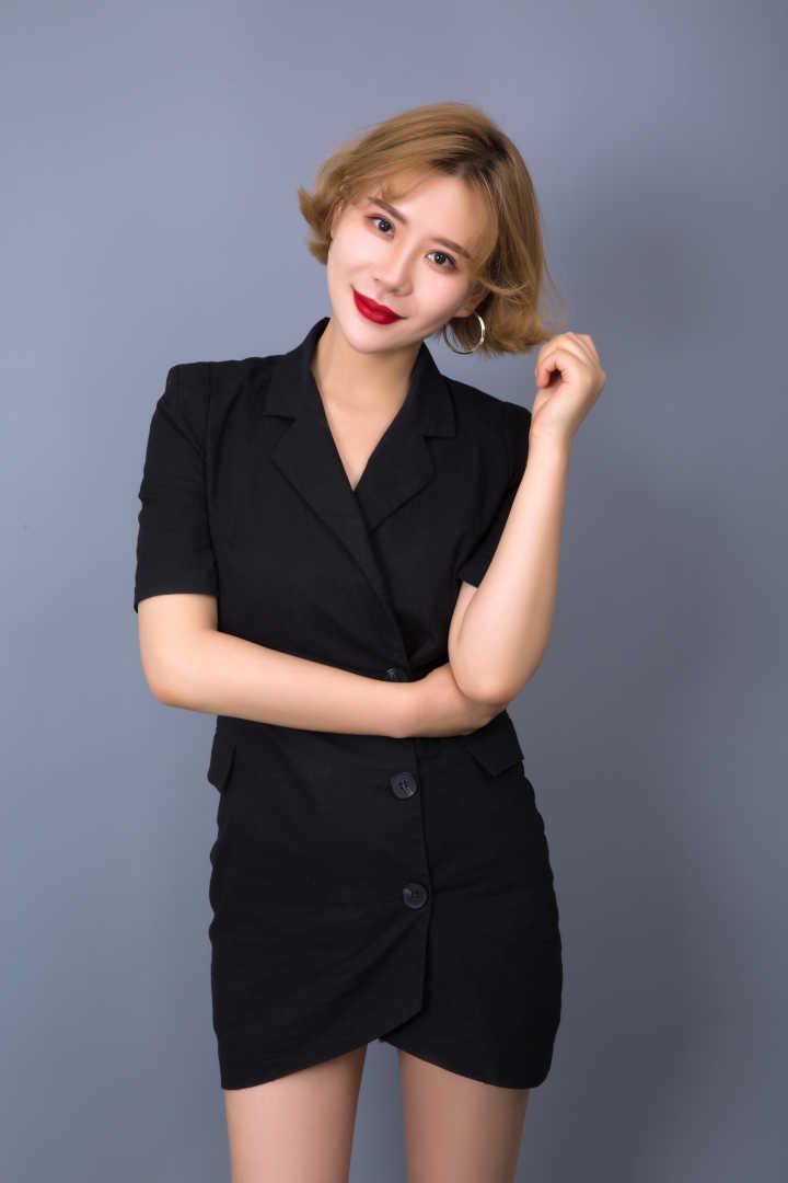 化妆培训总监-吕进