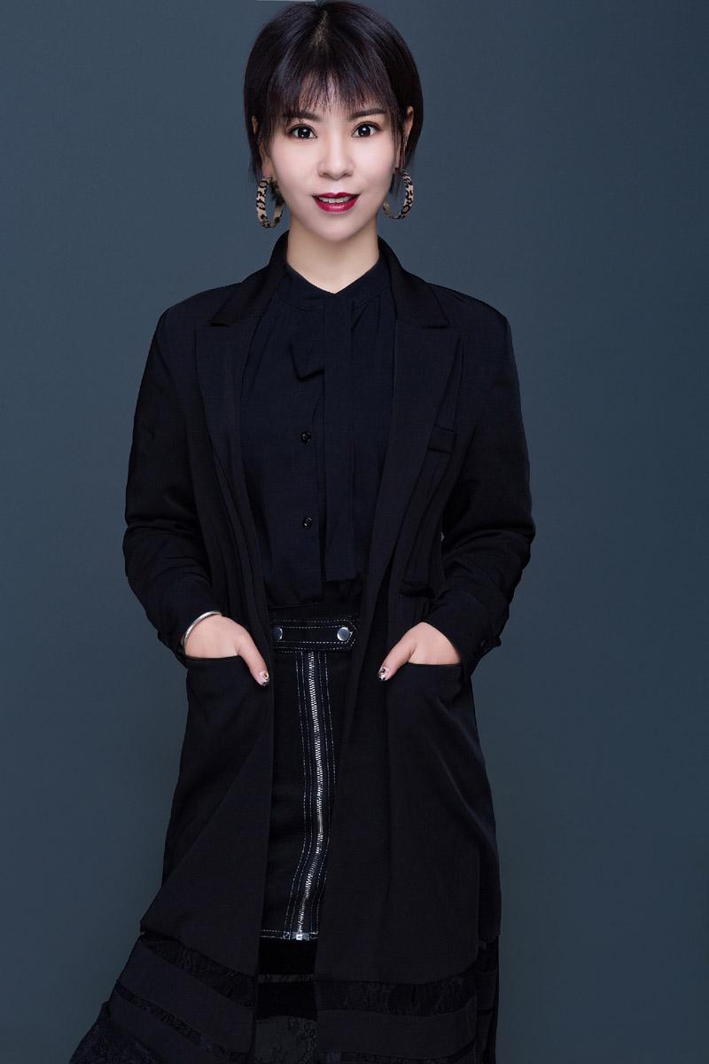 美容导师-李梅