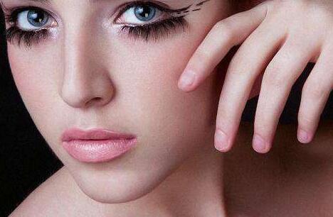 化妆培训学校来给你解答关于化妆存在的几个误区