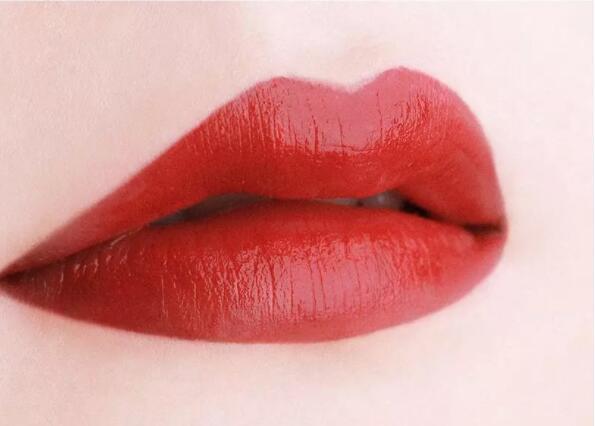 化妆技巧之让唇妆更加迷人的几个步骤