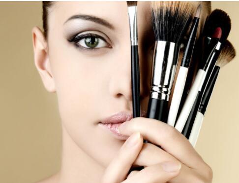 化妆培训班是怎么样来教你学习化妆的