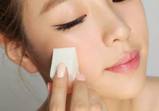 化妆培训学校针对眉毛给出的培训课程讲解