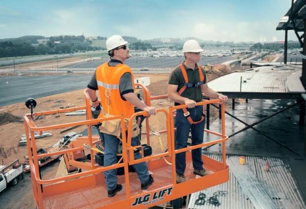西安升降车使用过程中的注意事项