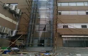 钢结构井道加建电梯