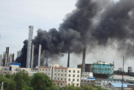 辽宁抚顺石化石油三厂起火