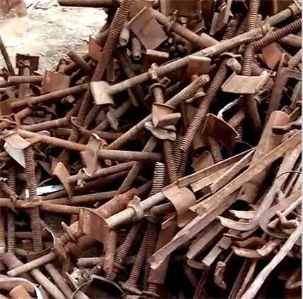 蒙西与某大型施工工地合作回收废铁案例