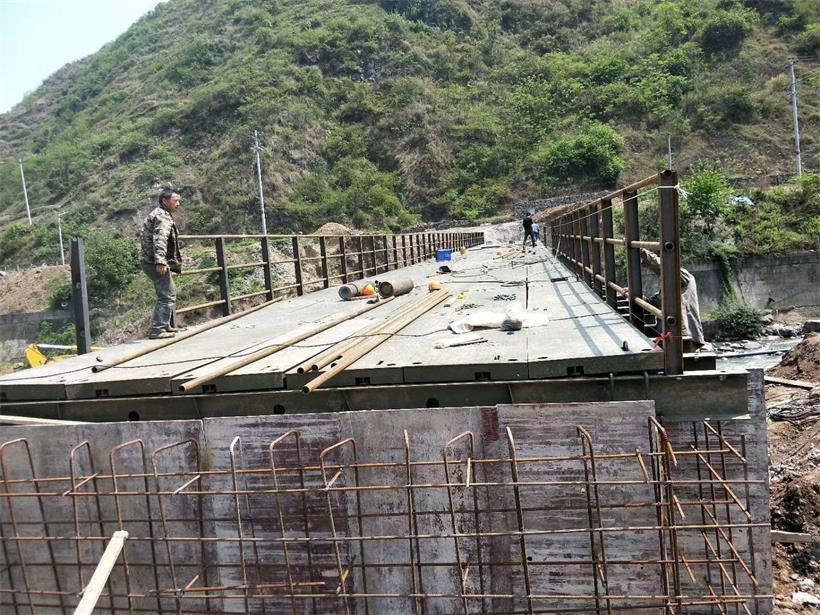 贵州贝雷桥钢便桥施工现场