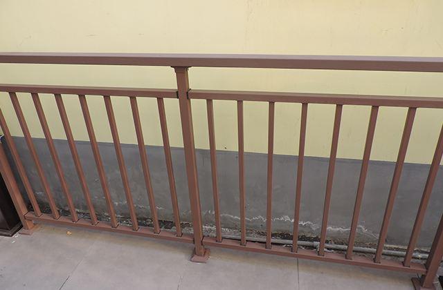 四川钢护栏中存在的环境问题