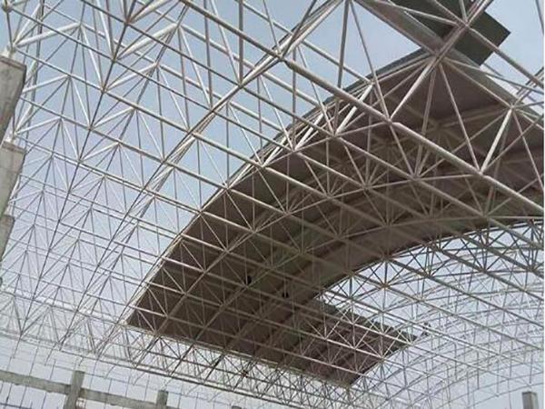 钢结构网架屋面