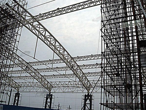 钢结构工程的三个象征性优点钢结构工程如何进入大家销售市场