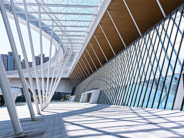 平凉钢结构工程项目的优点关键反映方法