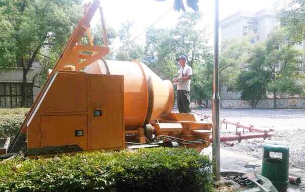 混凝土搅拌拖泵施工案例