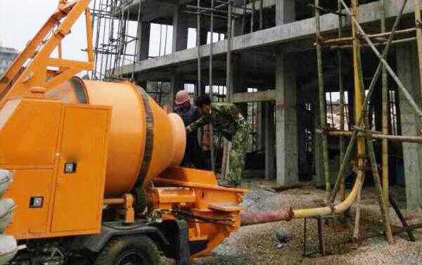 混凝土搅拌拖泵案例