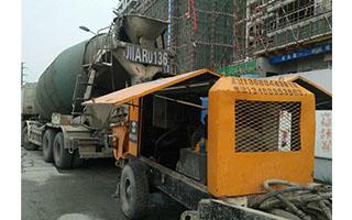 混凝土输送拖泵施工案例