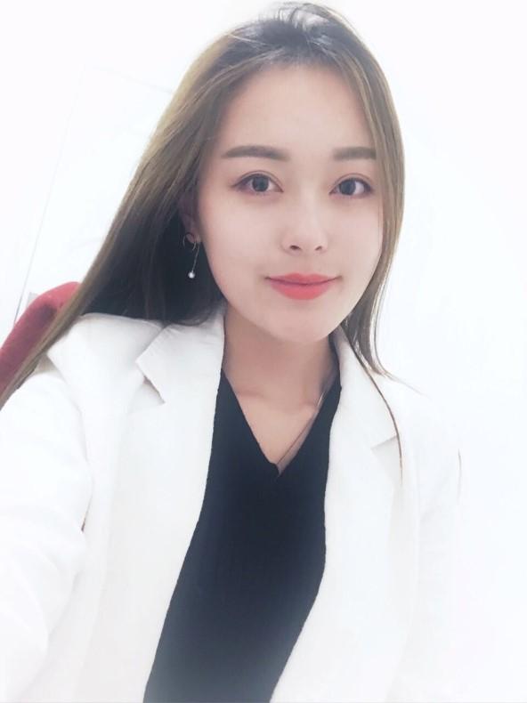 叶子老师-高级整体化妆造型师