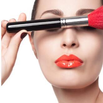 化妆技巧都是人们总结出来的 但是你需要好好的研究一下适合自己不是