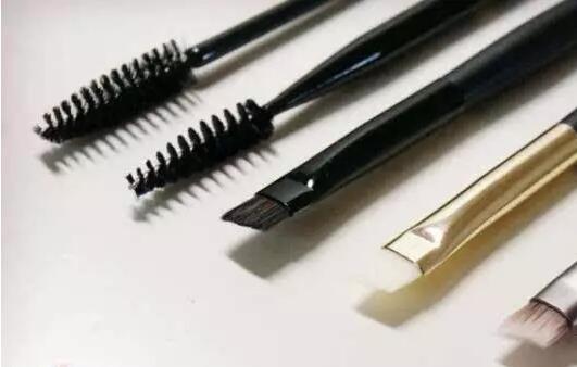化妆技巧不够好,学员们可以利用哪些技术手段来提升