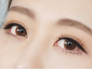 在化妆培训中眉毛的妆容主要是怎么样来进行的