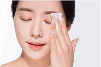卸妆清洁——肤质零负担的关键!