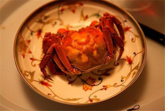 吃大闸蟹有哪些顺序吗?看看新疆大闸蟹养殖厂家是怎么做的