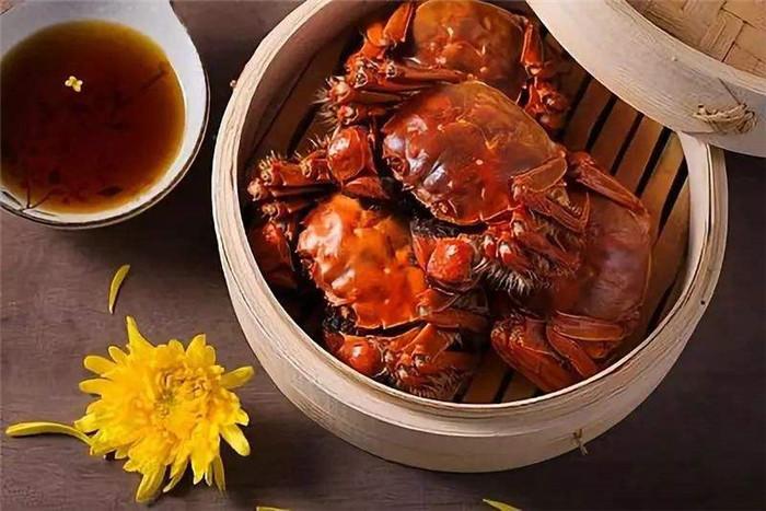 如何吃到大闸蟹的蟹肉呢?