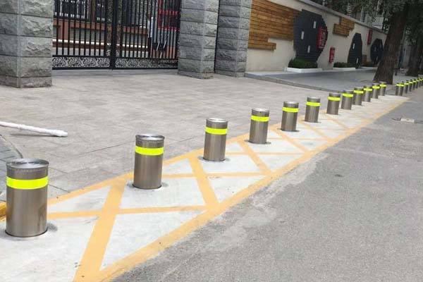 成都自动升降路桩的控制系统是什么原理。