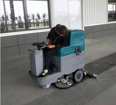 陕西法士特使用驾驶式洗地机